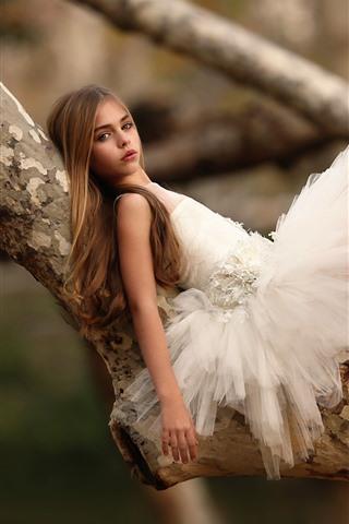 iPhone Wallpaper Cute ballerina girl, tree, child