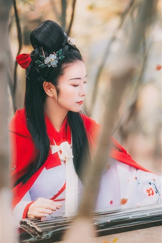 iPhone Wallpaper Retro style Chinese girl play pipa, trees