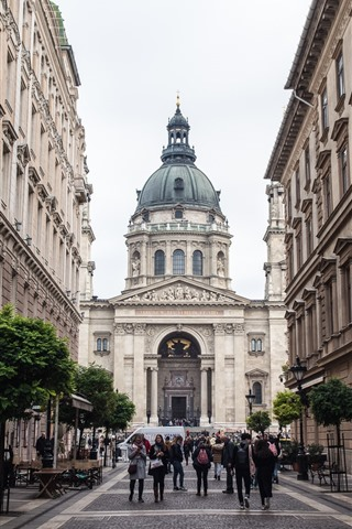 iPhone Wallpaper St. Stephen's Basilica, Largest Church in Hungary, Budapest