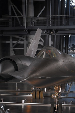 iPhone Wallpaper Lockheed, hangar, fighter