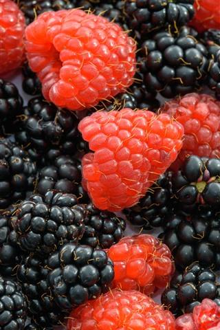 iPhone Wallpaper Raspberry and blackberry, milk