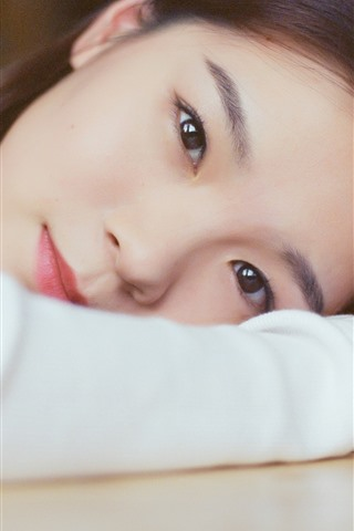 iPhone Wallpaper Asian girl, look, eyes, pose, hand