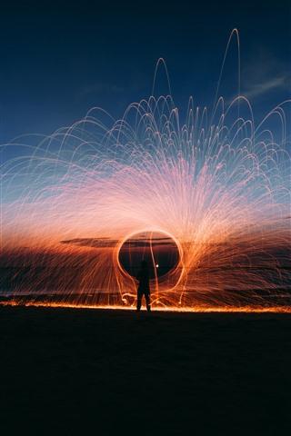 iPhone Papéis de Parede Belo fogo de artifício, faíscas, noite, mar