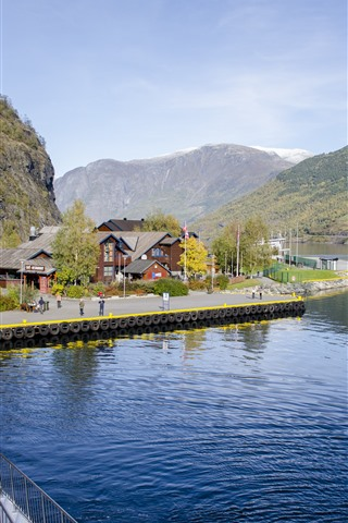 iPhone Wallpaper Norway, houses, bay, mountains, road, people
