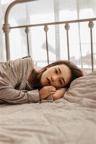 iPhone Wallpaper Pure girl, sleep on bed