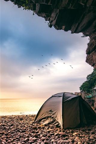 iPhone Wallpaper Xiangshan Hualiu Island, hole, sea, tent, birds, Zhejiang, China