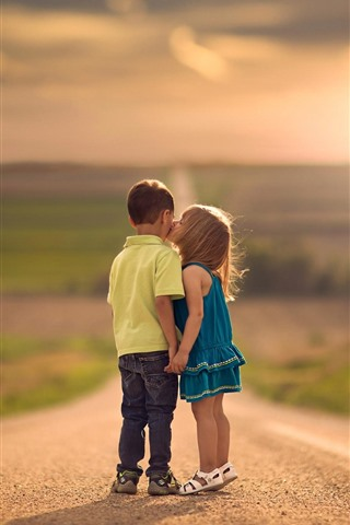 iPhone Wallpaper Children, boy and girl, kiss, road, sunshine