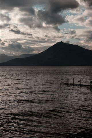 iPhone Wallpaper Sea, mountains, sun rays, marina, morning