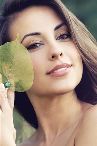 iPhone Wallpaper Happy girl, green leaf