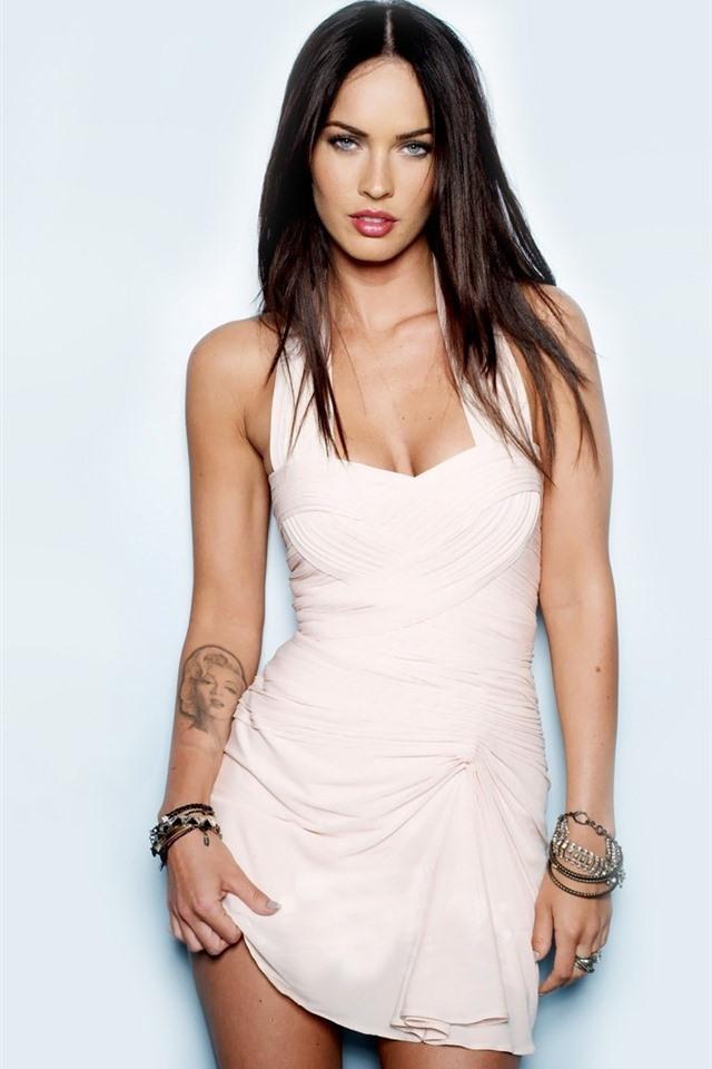 Megan Fox 16 640x1136 Iphone 5 5s 5c Se Wallpaper Background Picture Image