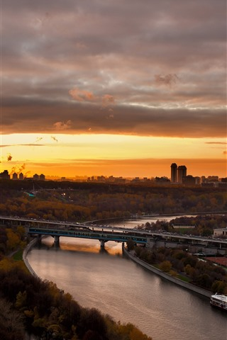 iPhone Wallpaper Moscow, city, sunset, river, bridge, Russia