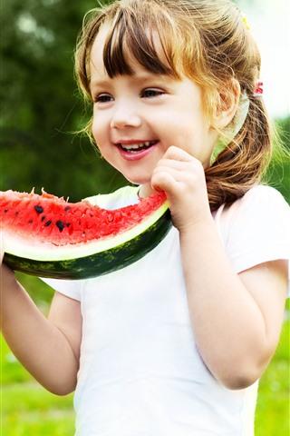iPhone Papéis de Parede Menina feliz comendo melancia