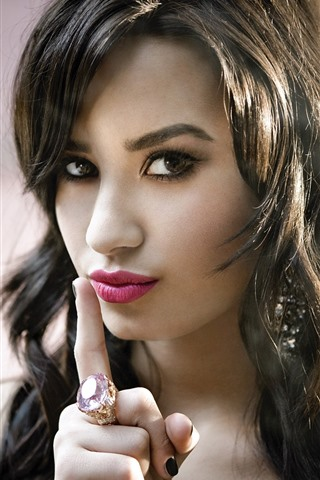 iPhone Wallpaper Demi Lovato 11