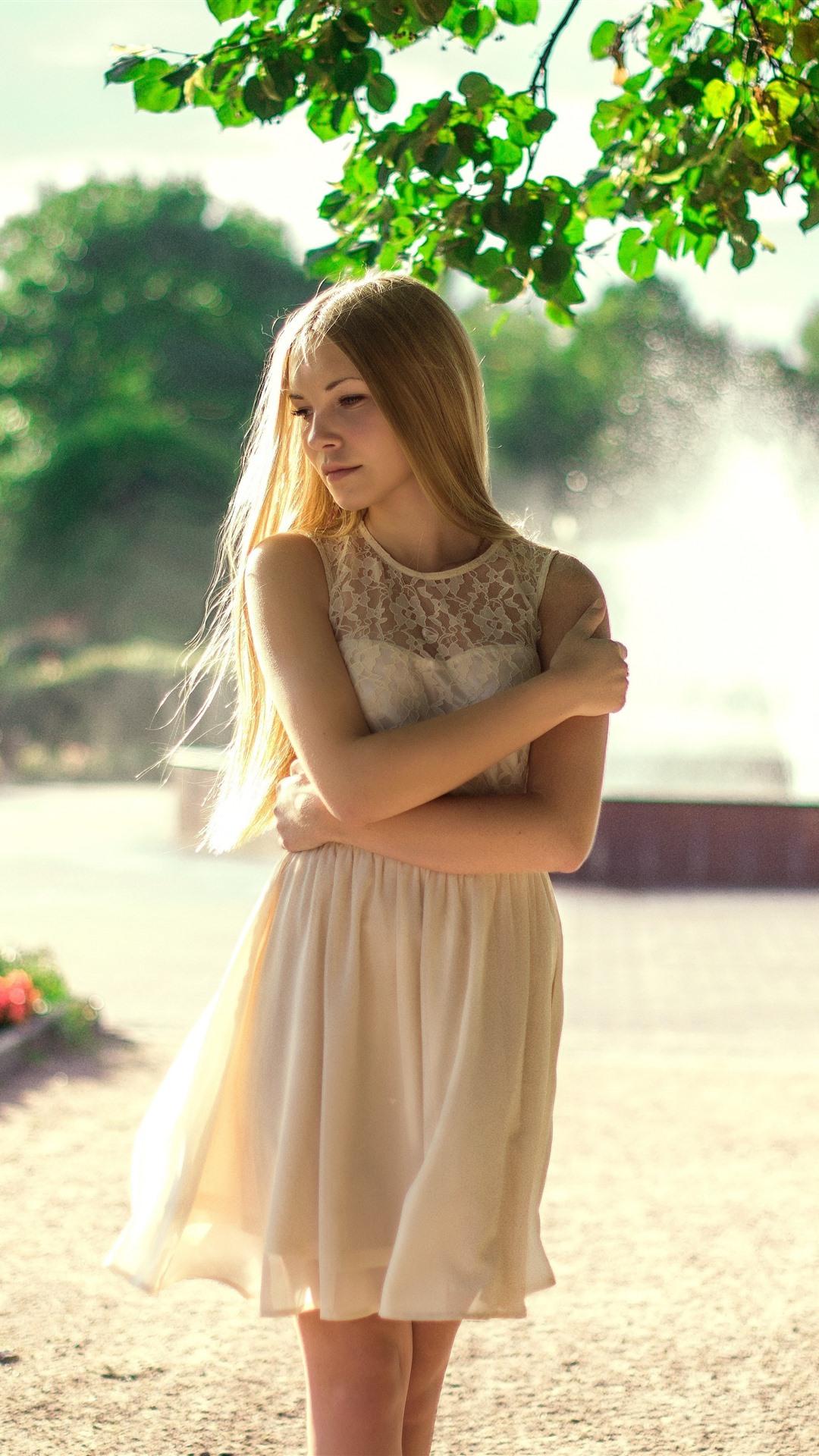 Wallpaper Blonde girl, summer, white skirt 3840x2160 UHD