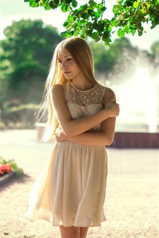 iPhone Wallpaper Blonde girl, fountain, white skirt, summer
