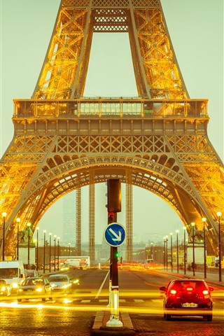 iPhone Wallpaper Eiffel Tower, road, cars, lights, night