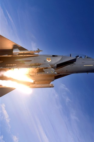iPhone Wallpaper F15 fighter, height, blue sky, clouds, fire