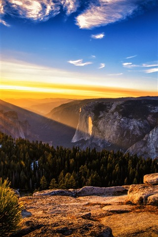 iPhone Wallpaper Australia, sunrise, sun rays, mountains, nature scenery