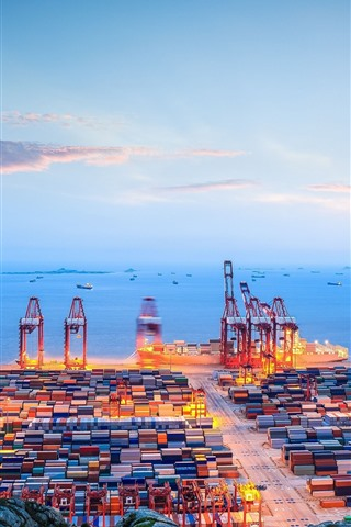 iPhone Wallpaper Dock, container, sea