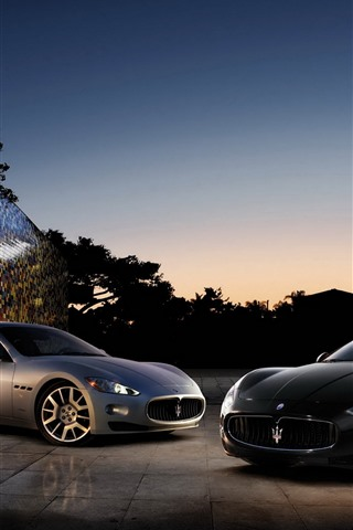 iPhone Wallpaper Two Maserati supercars