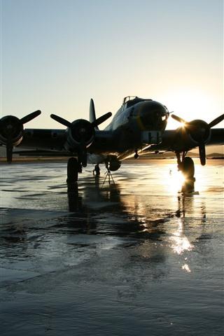 iPhone Wallpaper Aircraft, airport, wet ground