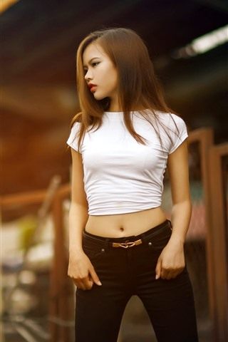 iPhone Wallpaper Young asian girl, long hair