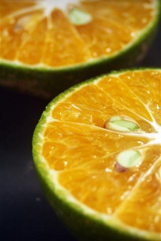 iPhone Wallpaper Green lemon, cutted fruit