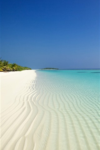 iPhone Wallpaper Beach, sea, palm trees, bungalows