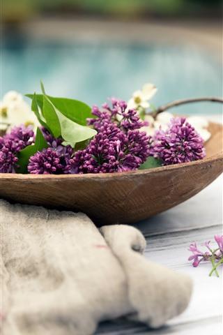 iPhone Wallpaper Pink lilac flowers, flowers, wood spoon