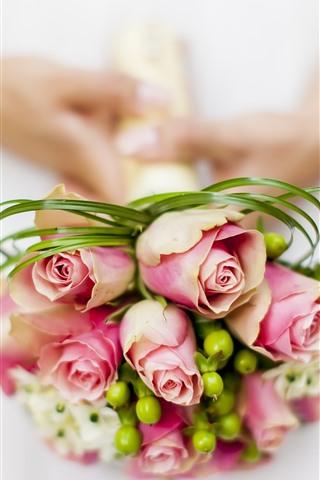 iPhone Wallpaper Pink roses, bouquet, hands, bride
