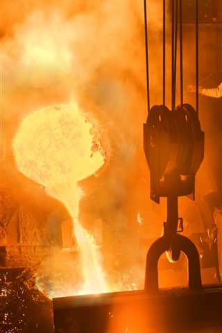 iPhone Wallpaper Smelting factory, worker, molten metal, sparks, heat