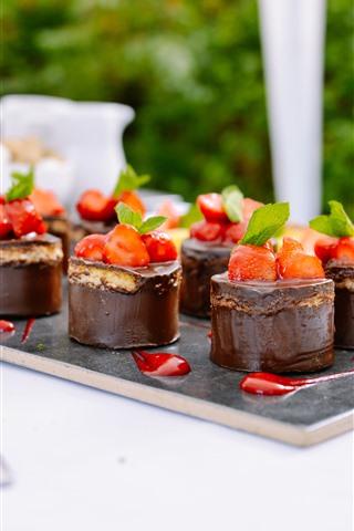iPhone Wallpaper Some chocolate cakes, strawberry, dessert