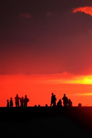 iPhone Papéis de Parede Pessoas, silhueta, pôr do sol, sol, céu vermelho