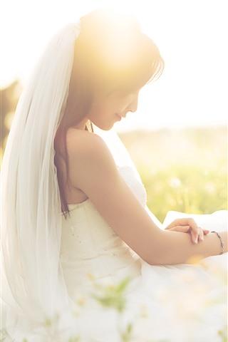 iPhone Wallpaper Beautiful bride, girl, wildflowers, sunshine, romantic
