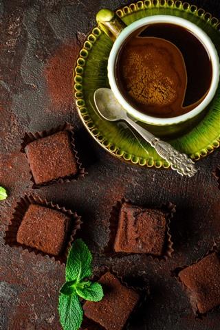 iPhone Papéis de Parede Um xícara de café, chocolate, colher, hortelã verde