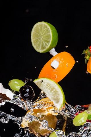 iPhone Papéis de Parede Algumas fatia de frutas, laranja, limão, respingo de água, fundo preto