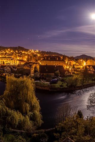iPhone Fond d'écran République tchèque, nuit, lune, rivière, ville, maisons, lumières