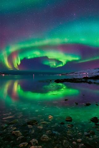 iPhone Wallpaper Northern lights, Norway, snow, rocks, sea, stars, beautiful night