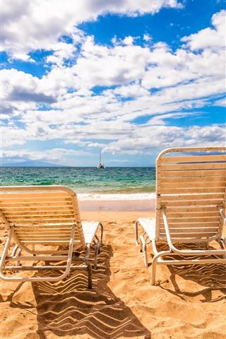 iPhone Обои Пляж, стулья, море, облака, небо