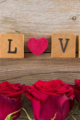iPhone Обои Красные розы, любовное сердце, деревянные кубики