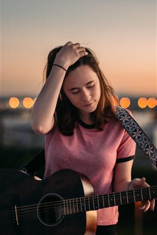 iPhone Wallpaper Young girl, guitar, dusk, city