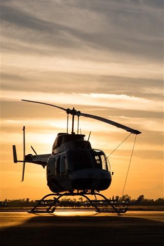 iPhone Обои Вертолет, закат, аэропорт