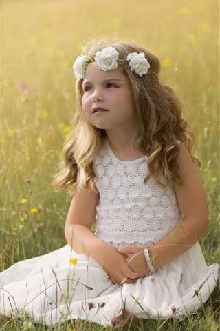 iPhone Papéis de Parede Adorável menina, flores, grama