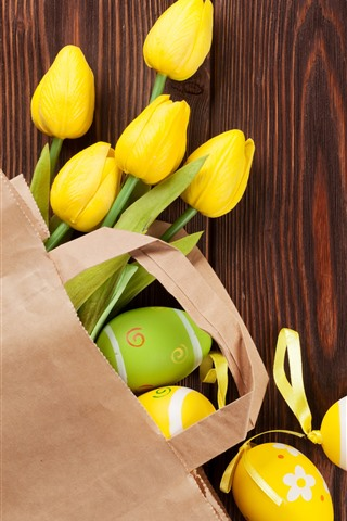 iPhone Обои Желтые тюльпаны и пасхальные яйца